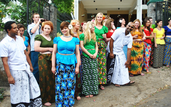 Work the World staff and students in traditional Sri Lanka clothing